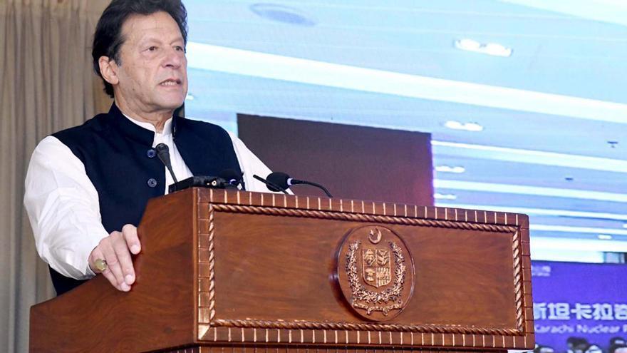 """Pakistán solicita """"reforzar"""" el gobierno talibán"""