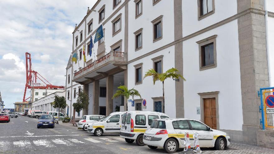 Cinco empresas pujan para realizar el mantenimiento del Puerto
