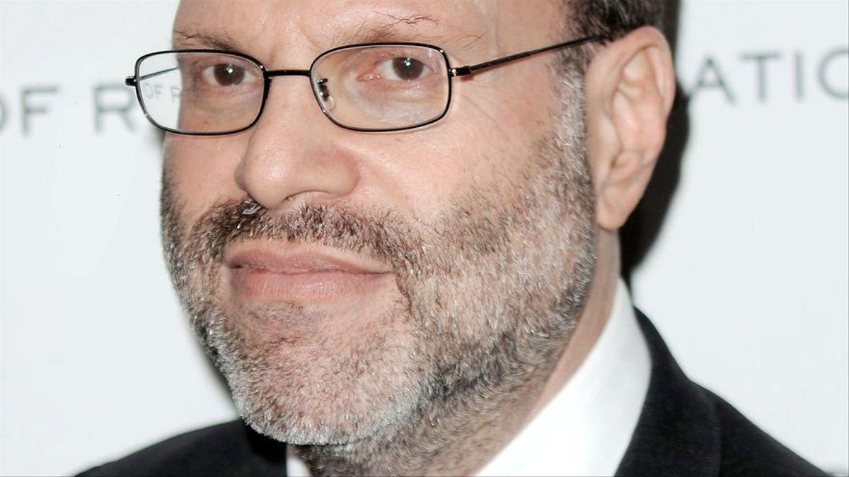 El productor de Broadway Scott Rudin se retira tras nuevas acusaciones de abuso