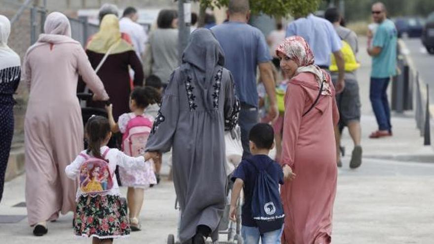 La població estrangera creix un 5,2% a Girona, gairebé dos punts menys que a Catalunya