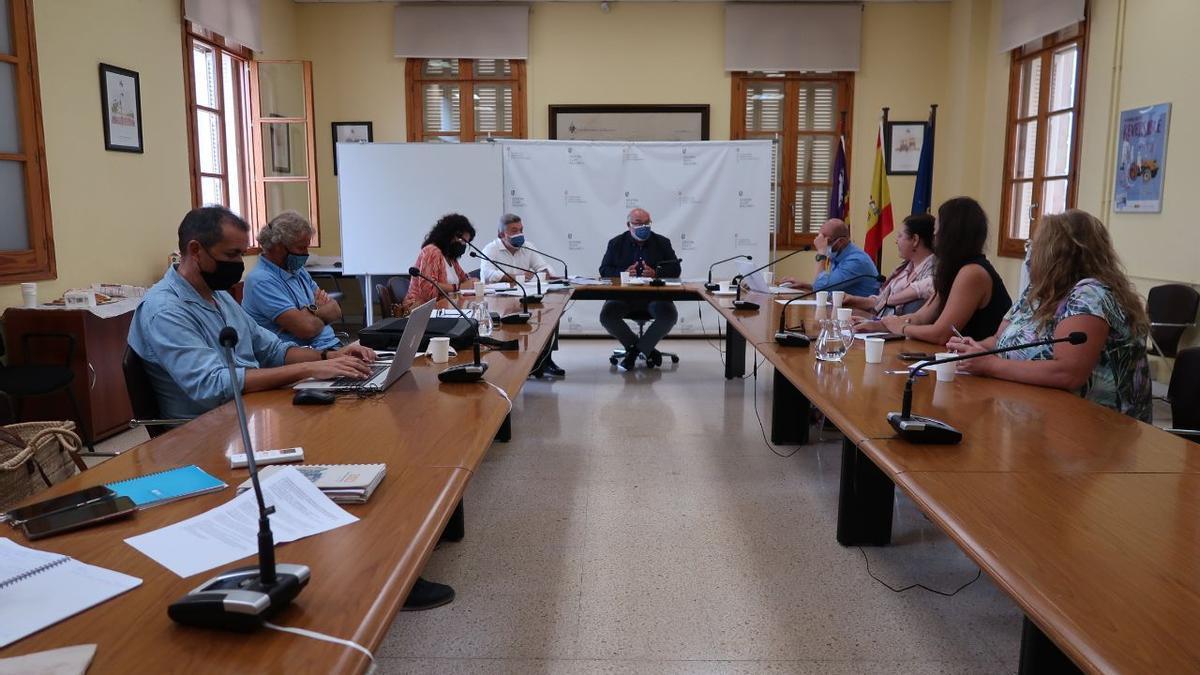 Agricultura avanza con Madrid los trámites del proyecto de regadíos