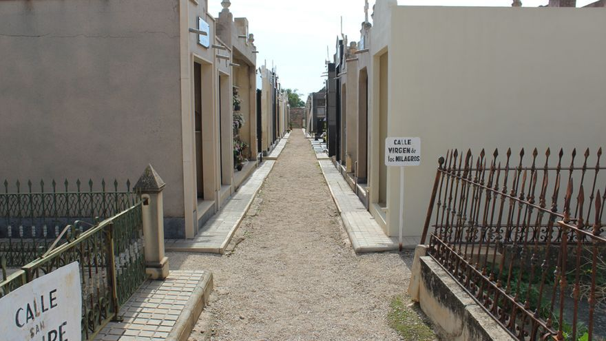 El cementerio de Novelda amplía su horario por Todos los Santos