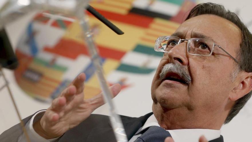 Polémica en Ceuta por la vacunación del consejero y altos cargos de Sanidad