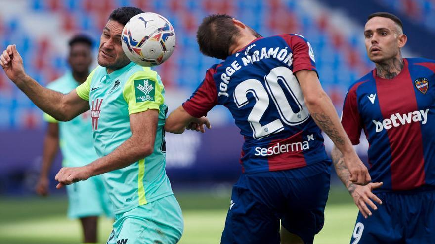 La resaca copera deja un empate entre Levante y Granada