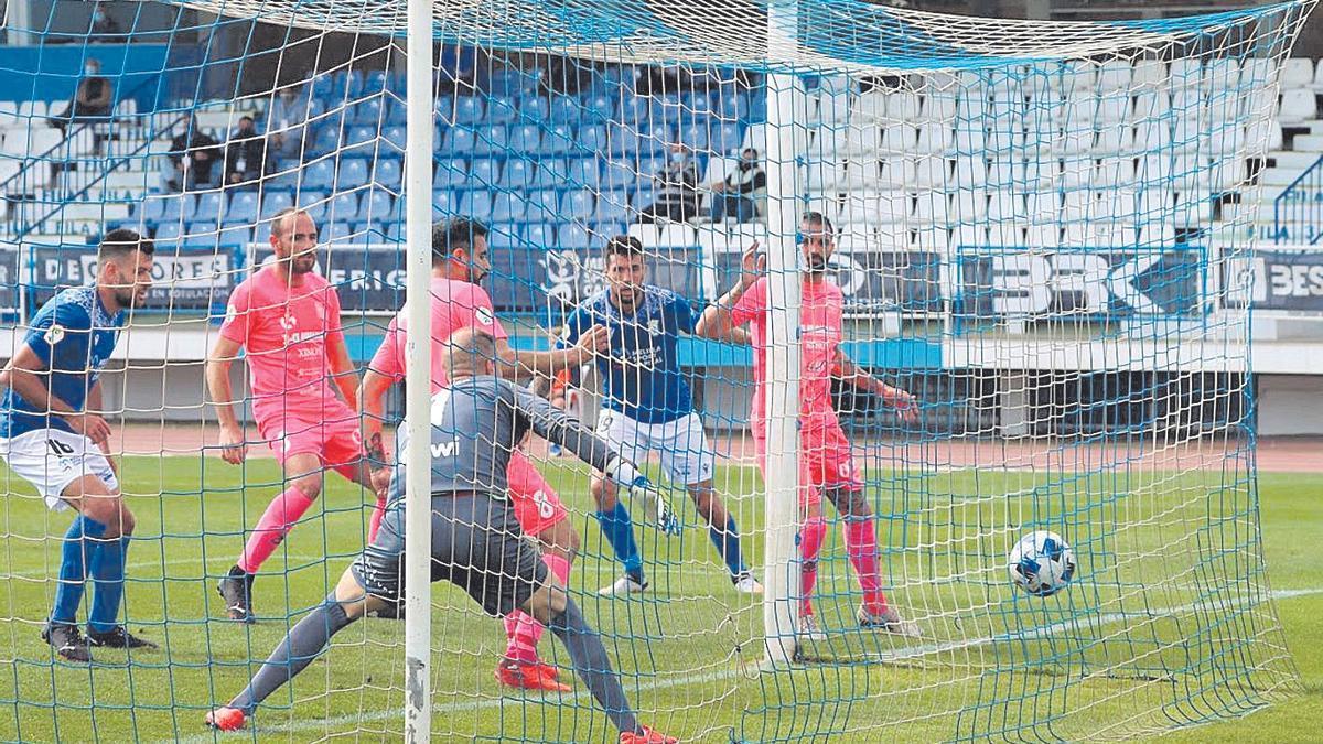 El Poblense en un partido anterior contra el Melilla.