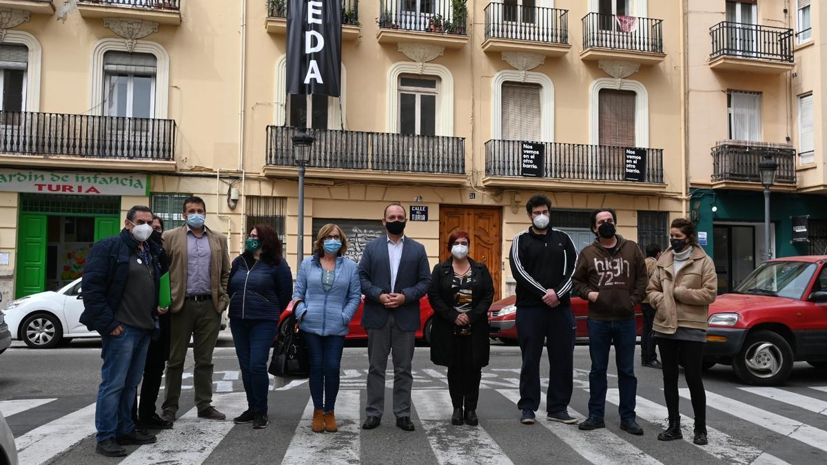 La Generalitat estudia la compra de viviendas en la calle Turia de València por ensayo y error
