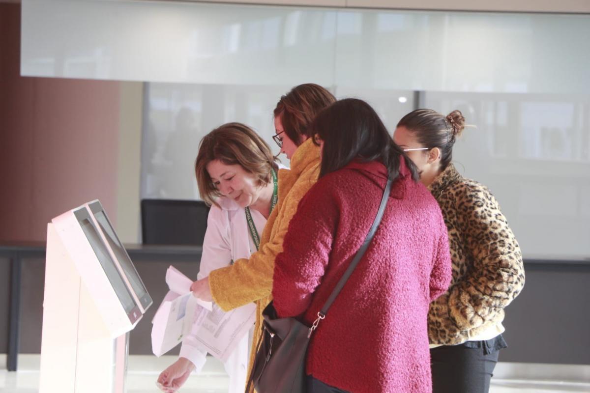 Las imágenes del primer día del Hospital Universitario de Cáceres