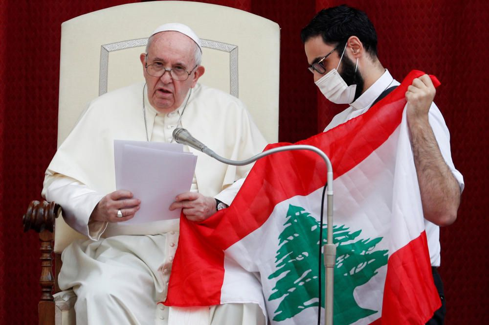 Pope Francis holds the first weekly general ...