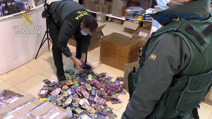 Intervienen 30.000 juguetes llegados de China en Los Dolores y Beniaján por no cumplir la normativa