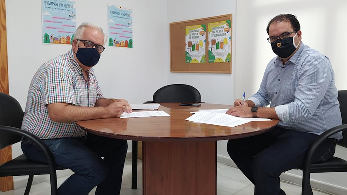 Firma del convenio Ayuntamiento de Altea con ALCEA