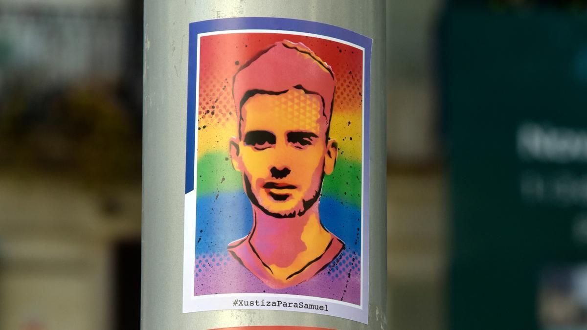 Cartel que pide justicia para Samuel Luiz.