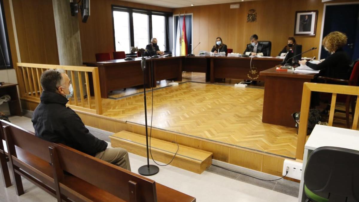 El acusado, este lunes durante el juicio. // Alba Villar