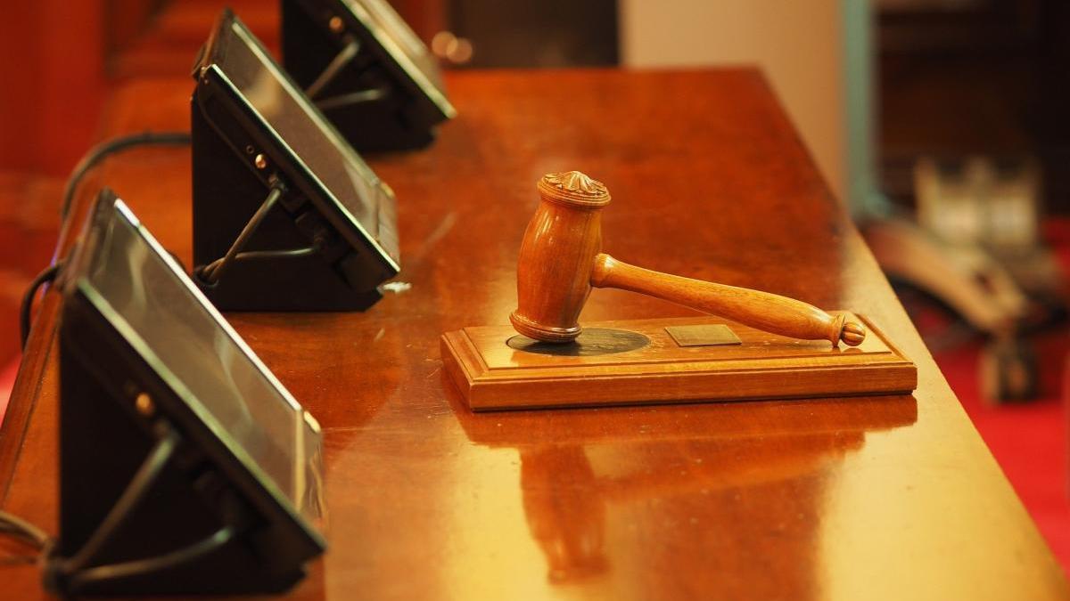 Un jutge estudia el cas