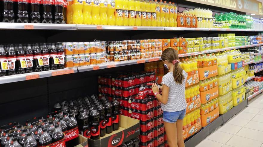 El Gobierno subirá el IVA de los refrescos al 21%