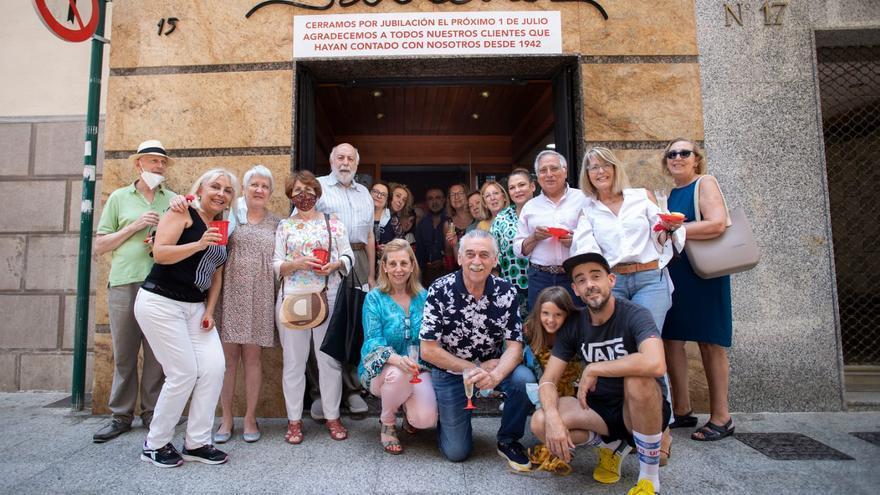Sánchez Fotógrafos cierra después de 80 años inmortalizando la historia de Castelló