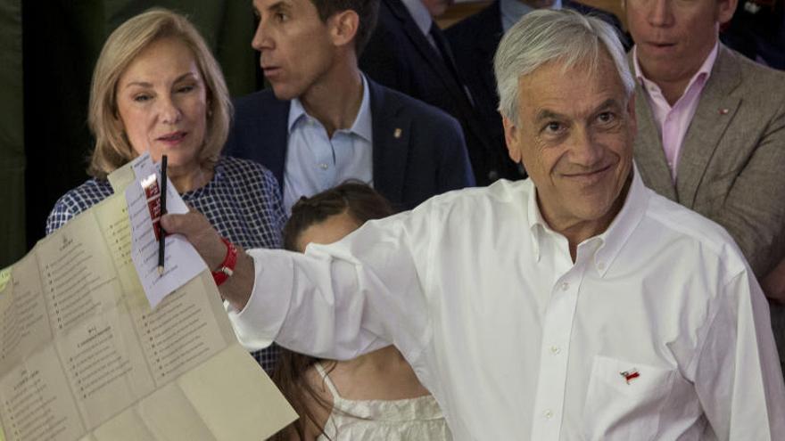 Piñera y Guilier pasarán a la segunda vuelta en Chile, según los primeros datos