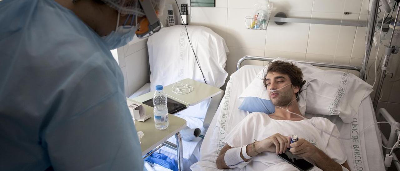 Víctor Navas, de 23 años y con covid-19 en el Clínic.