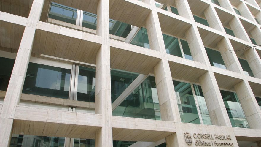 Demanda de CCOO al Consell por no aplicar el acuerdo de Carrera Profesional