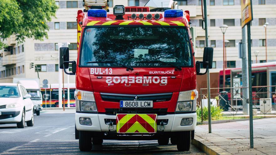 El incendio de un piso de Sevilla acaba con cinco personas hospitalizadas