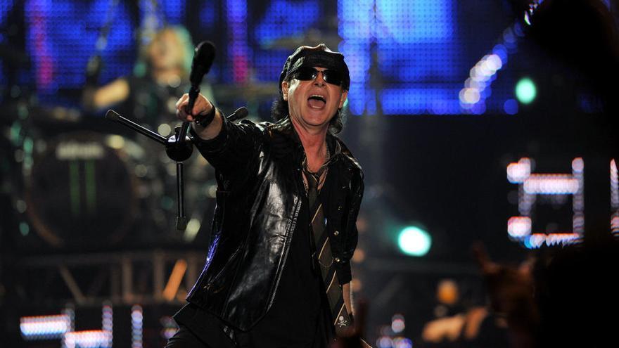 Scorpions conmemora los 30 años de 'Wind of change' con trozos del Muro de Berlín