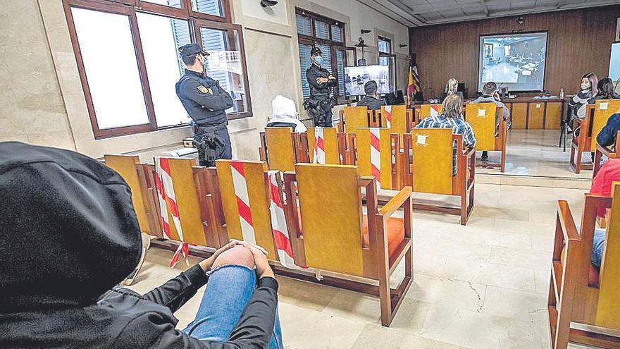 Catorce acusados reconocen en la Audiencia el tráfico de drogas