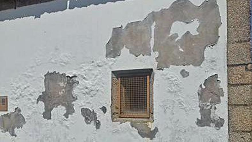 La asociación de vecinos de Os Castros reclama la rehabilitación de la capilla de Oza