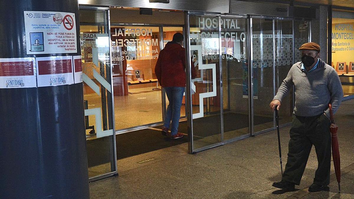Entrada principal del Hospital Montecelo, desde donde se accede a las consultas externas.     // RAFA VÁZQUEZ