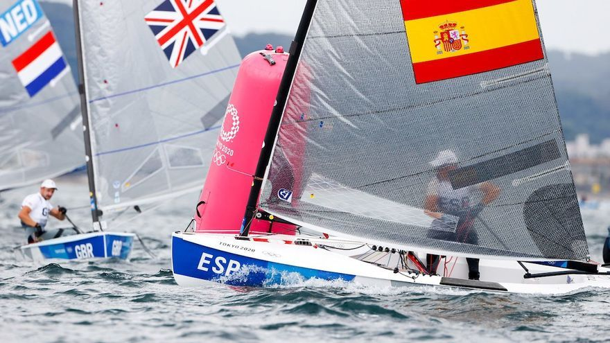 Joan Cardona se estrena con la tercera posición en la primera regata de la clase Finn