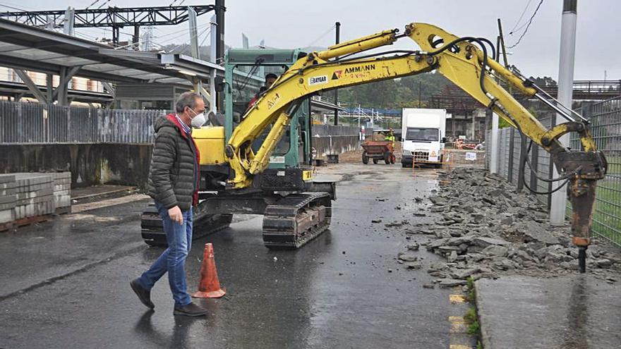 Un nuevo vial mejorará el acceso a la zona portuaria de Arcade