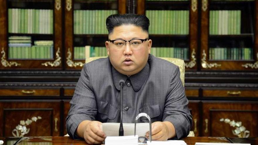 """Corea amenaza con lanzar una bomba H en el Pacífico y llama """"viejo chocho"""" a Trump"""
