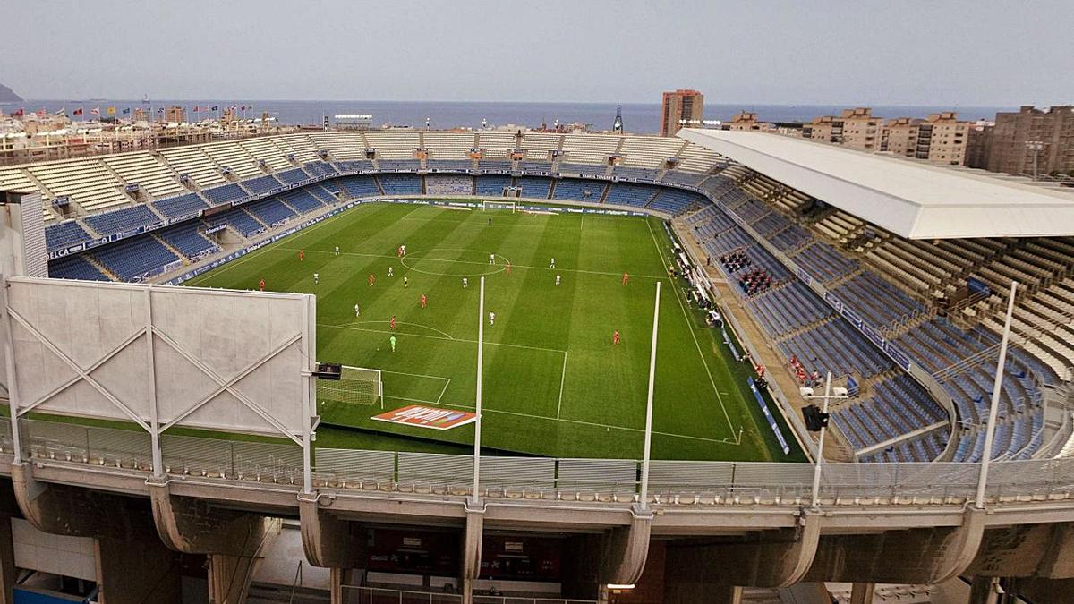 En principio, el Heliodoro Rodríguez López no estará listo para albergar partidos oficiales hasta septiembre.     EFE