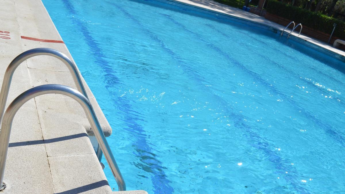 foto de archivo de una piscina.