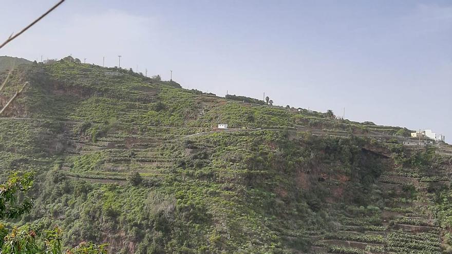 Herido grave tras caer por una ladera en La Palma