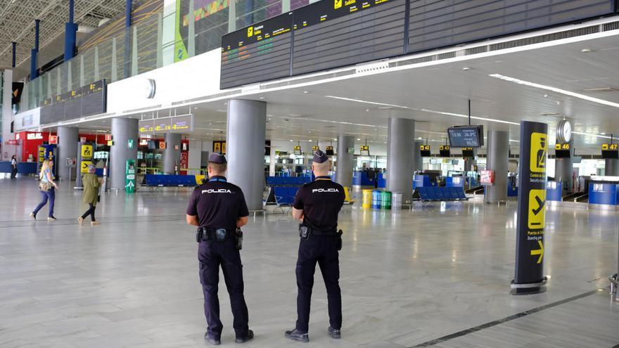 Cuatro detenidos con documentación falsa en el aeropuerto de Gran Canaria