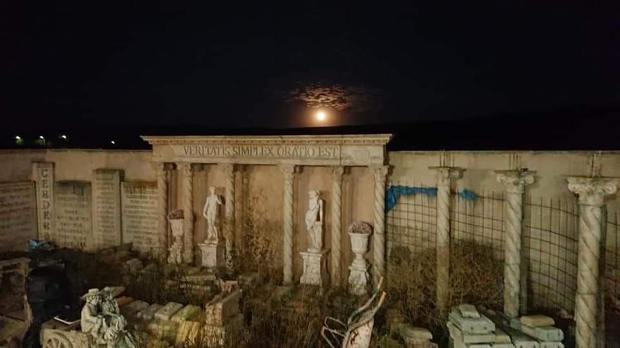 """De trabajador de Hostelería en Erte a constructor de una """"domus romana"""" en un pueblo de Zamora"""
