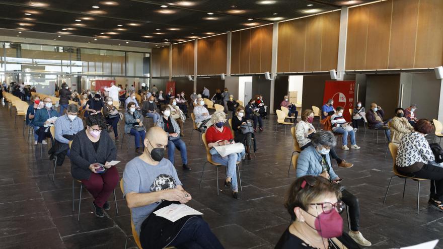 Sanitat citará a partir del día 21 a los profesores de Castellón para ponerse la segunda vacuna