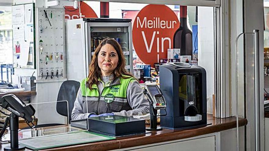 Natàlia Carreño: «A les benzineres, el volum de feina ha baixat dràsticament»