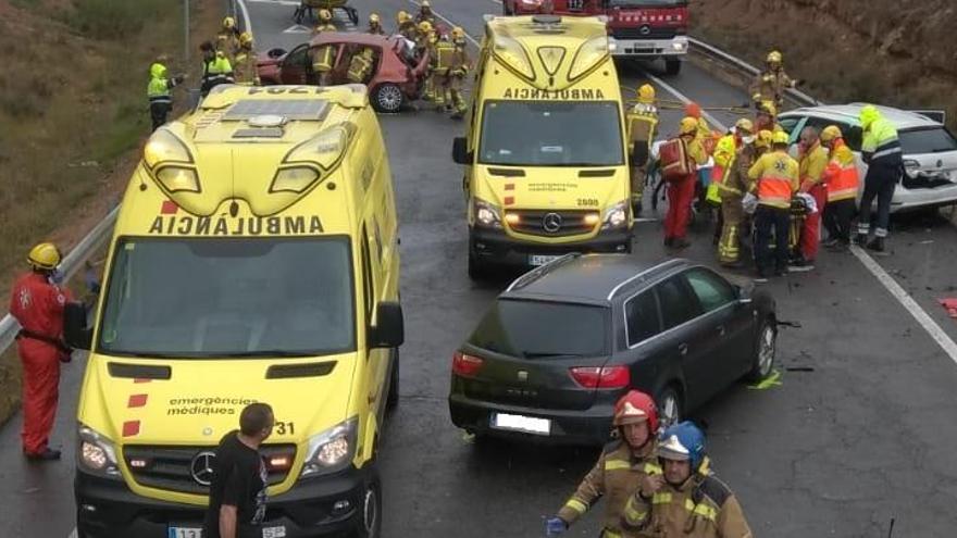 Moren dues persones en un accident amb quatre cotxes implicats a Bassella