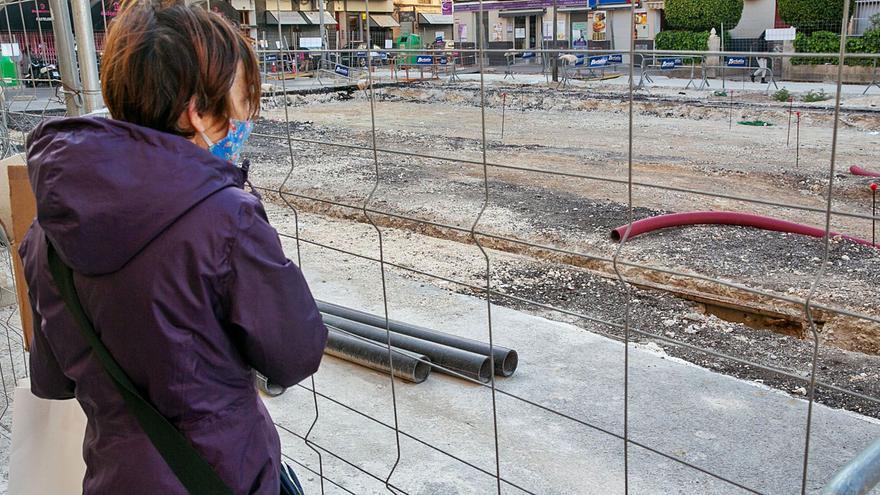 Las obras de Padre Esplá de Alicante se prolongan tres meses más y recuperan las vías del tranvía