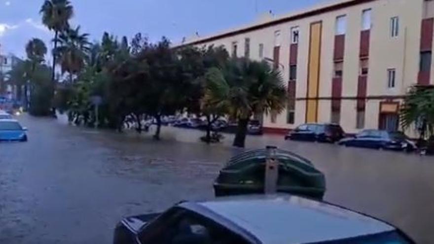 La lluvia torrencial ha obligado a varios rescates en Sagunt