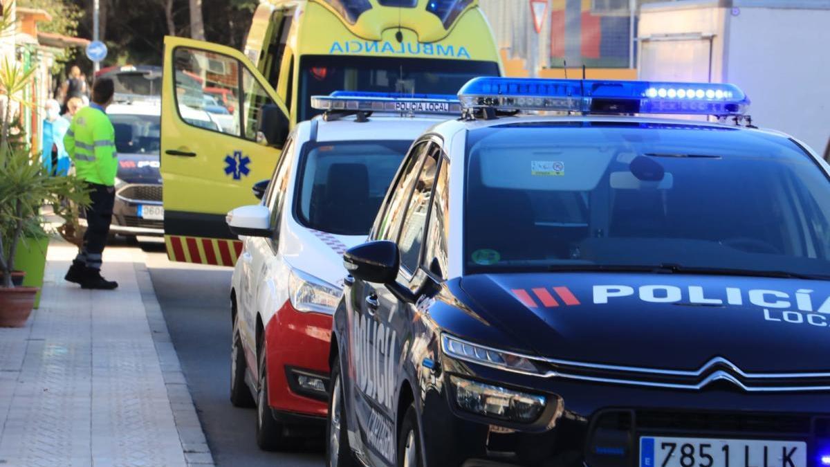 Hasta allí se trasladaron cuatro patrullas de la Policía Local una Unidad Móvil de Emergencias.