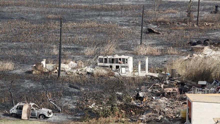 El fuego comenzó en una zona en la que había cuatro colmenas ilegales