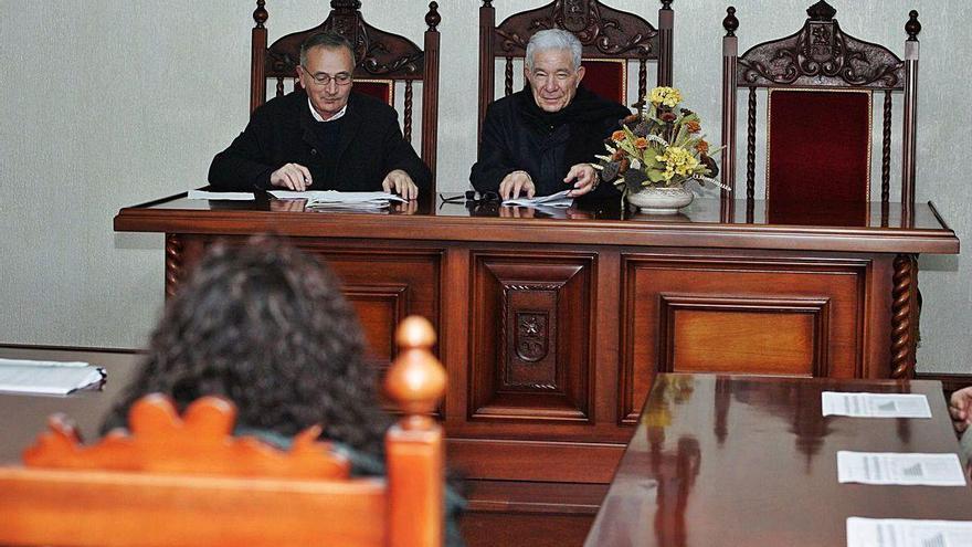 Condenan al exalcalde de Dozón por falsear documentos para pedir ayudas del Plan E de 2010
