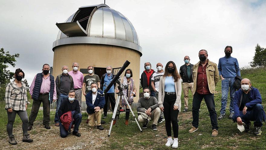 Las distinciones de Gijón: la Sociedad Omega, pasión por el cielo en busca de relevo