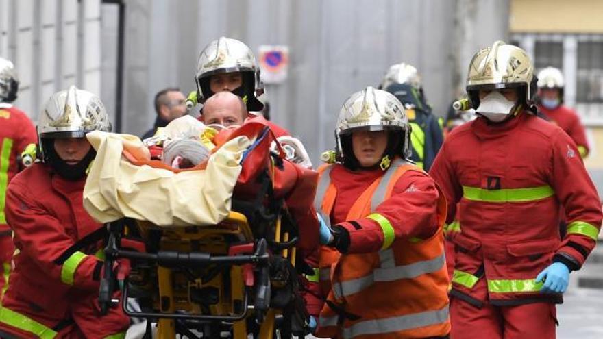 Dos heridos por un ataque cerca de la antigua sede de 'Charlie Hebdo'