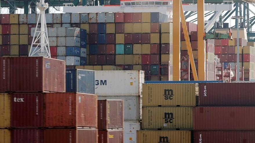 Las exportaciones caen un 3% en el primer trimestre con un desplome del 14% en marzo
