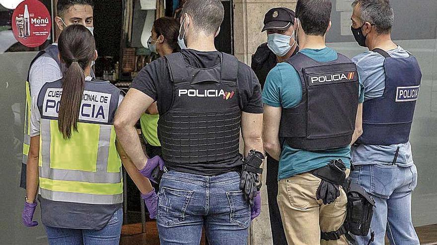Intervenidos dos kilos de cocaína y 60 de sustancia de corte en la 'operación Pólvora'