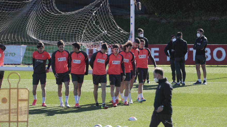 Así construyen el fútbol los rojiblancos: El Sporting crea desde atrás