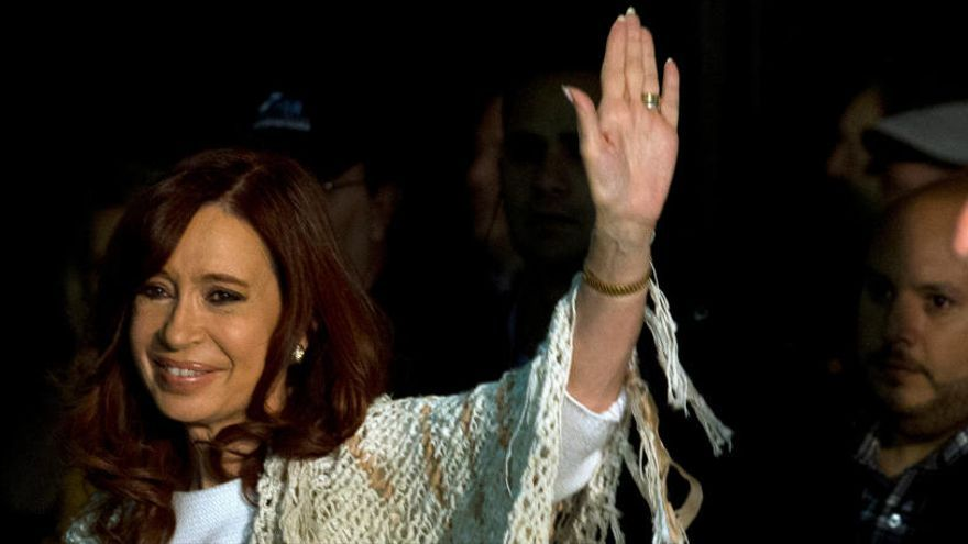 Cristina Fernández y sus hijos, procesados por blanqueo