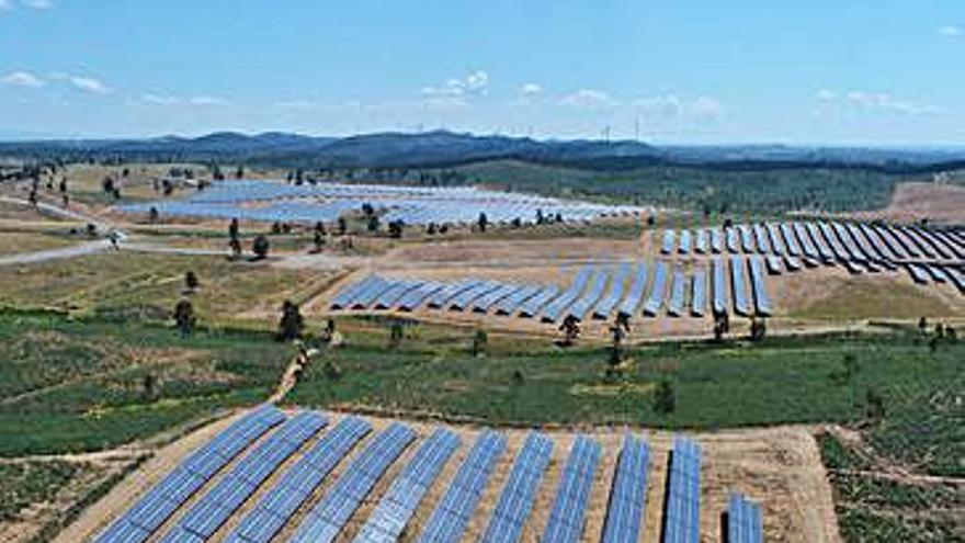 Hiasa y Asturfeito investigan usar sensores en el sector fotovoltaico y el eólico marino